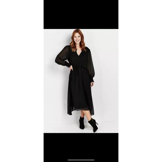 Chiffon maxi dress with lining sizes 10-20)